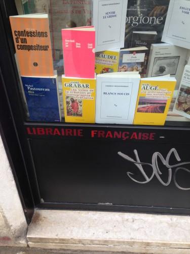 librairie Francaise a 2 pas de Rosa & Salvia , Chic